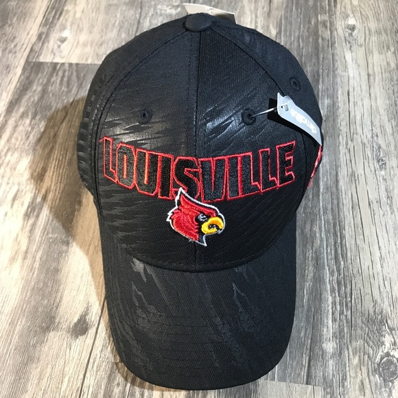 hot sale online befc8 5ea5f NWT Adidas University of Louisville fitted hat S M